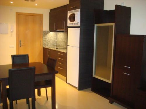 AMUEBLADO + GASTOS INCLUIDOS Apartamento nuevo en zona céntrica y