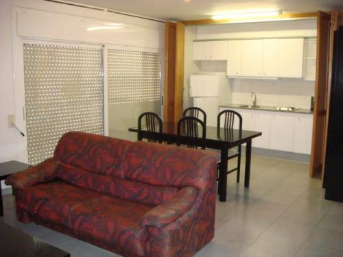 AMUEBLADO Y CÉNTRICO Apartamento totalmente amueblado en zona céntrica a
