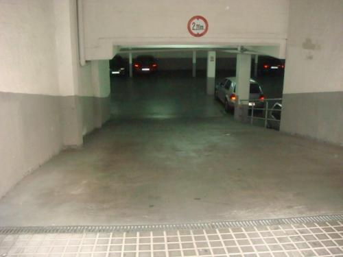 PARKING DE NUEVA CONTRUCCIÓN Con entrada amplia de fácil acceso