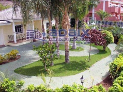 Coqueto duplex en el municipio de Arona. Cosnta de 1