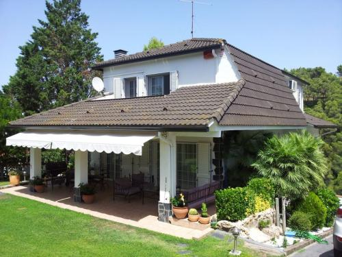 Casa grande y bonita, alquiler con opción a compra