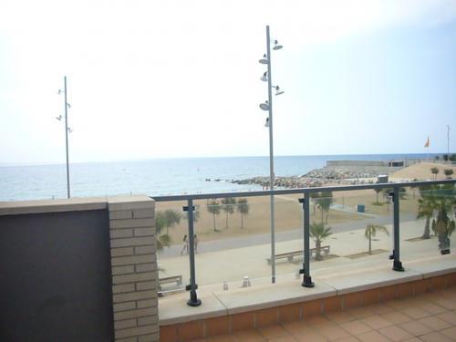 Primera Linea de Mar en Badalona. Piscina y hermosas vistas al Mar.