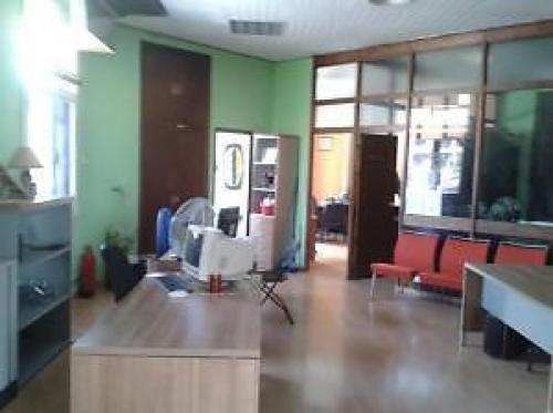 POBLENOU, Oficina en dos despachos