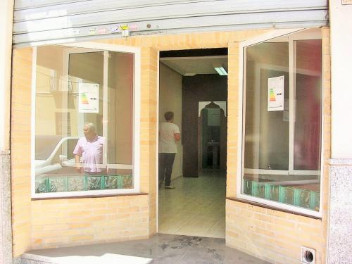 ALQUILER LOCAL COMERCIAL CENTRO TORREVIEJA