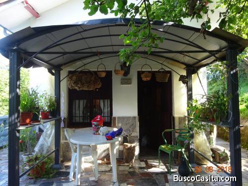 Se vende finca con casita en la montaña asturiana.